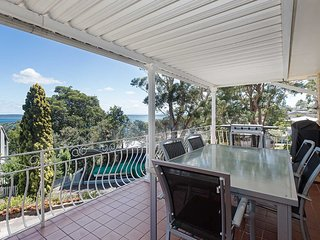 1 Kerrie Close Nelson Bay - ducted air con, WIFI, beautiful water views