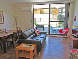 4 'Bellevue' 4 Donald Street - air conditioned apartment in the heart of Nelson