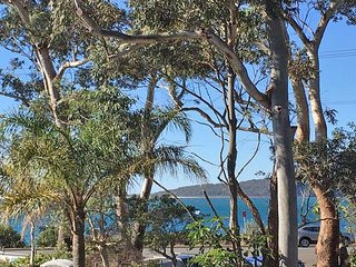 5 'Ocean Breeze' Shoal Bay Avenue - Fabulous location opposite Shoal Bay beach!