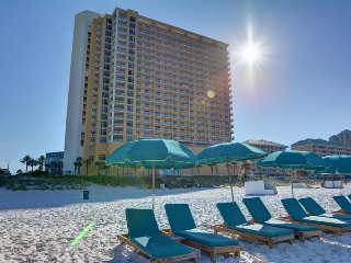 Reef Memories **2 Bedroom/2 Bath BEACHFRONT RESORT CONDO