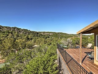 NEW! 1BR Davis Cabin - 5 Min From Turner Falls!
