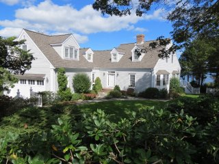 Newly Renovated Luxury Waterfront Home, Kayak to Nauset Beach & Pochet Island