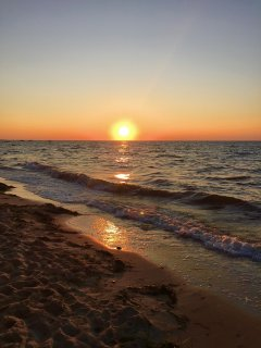 2 minute walk to this private beach with fabulous sunsets on Cape Cod Bay