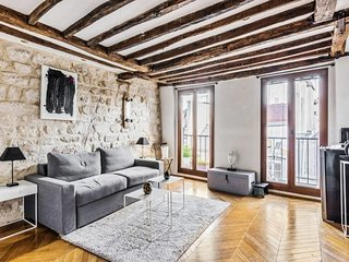 Studio with character, very center of Paris
