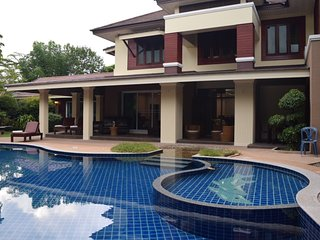 Spectacular 6 (+ 2 ) bedroom Luxury Villa with Private Swimming Pool