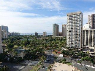 Spectacular Ocean Views - Waikiki - Hawaiian Monarch - One Bedroom