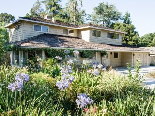 Silicon Valley Luxury Home in Heart of Los Altos - Minutes to Stanford Palo Alto