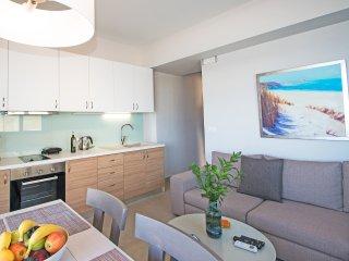 New, Modern, Beachfront, Next to all amenities, No car needed, Splendid View 1