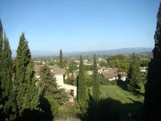 T2 Lilas au 1er étage d'un mas en Provence, vue sur Mont Ventoux