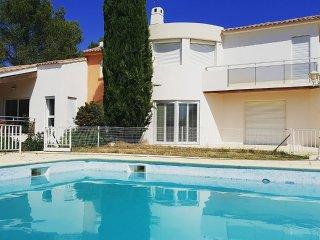 Au calme 110m2 dans parc d'un hectaure+ piscine à 12 Km de la Mer et Montpellier