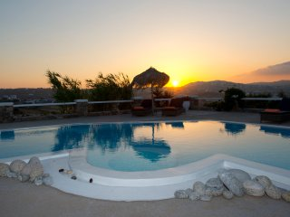 Luxurious Villa for 6 persons, near Mykonos Town