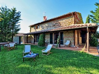 Villa Saffron holiday vacation villa rental italy, tuscany, pienza, near florenc