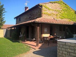 Villa Saffron holiday vacation villa rental italy, tuscany, pienza, near florenc