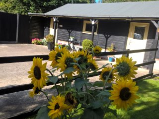 Cornerstone Cottage, Self catering holiday rental nr Aylesbury, Buckinghamshire