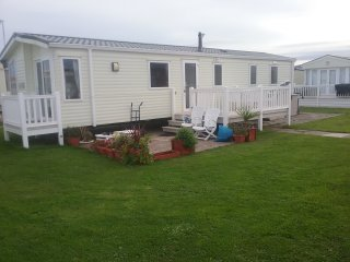 Static caravan to let on Whitehouse park Towyn north Wales ll22 9ey