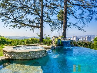 Stunning Pool with Panoramic Views - 4b/3bth