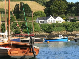 Point House waterside cottage, St Just in Roseland nr St Mawes, gate to beach
