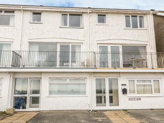 11 MIN Y MOR, three floors, sea views, close to the beach, in Pwllheli, Ref