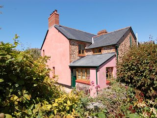 MARLEY COTTAGE, smart Victorian holiday home. In Porlock