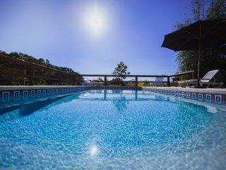 Suite completa para casal na Praia do Rosa! Acesso privativo aos hospedes!