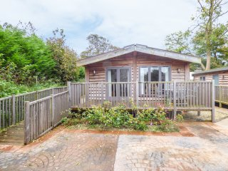 LILYBANK LODGE 1, open plan, veranda, all ground floor, in Foxdale, Ref. 954190