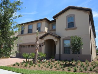 Brand New Luxury 9 Bedroom Pool Home Minutes to Disney