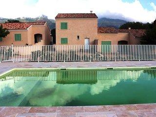 Villa Carla avec piscine partagée