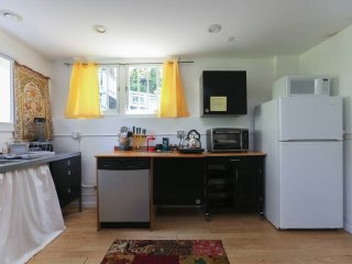 Bright Montford 1BR -- Walk to Downtown Asheville