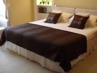 Dunedin Guest House - Bedroom 2 - Edinburgh Scotland