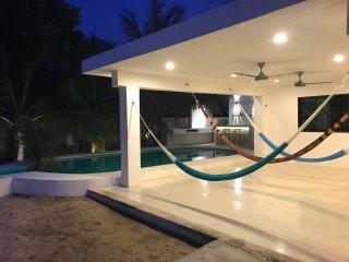 Casa Las Perlas (Beach House)