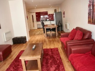 LENNON SUITE 4 BEDS/4BATHS LIVERPOOL SLEEPS 11