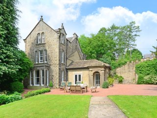 Bamford Hall - Luxury Group Accomodation in the Peak District