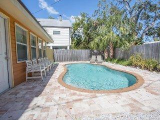 Pelican Paradise NEW PRIVATE POOL 4 bedrooms sleeps 15 people  BY BEACHHOUSEFL