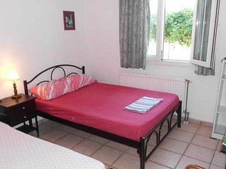 Felekas Apartment Sleeps 6 with Air Con - 5677015