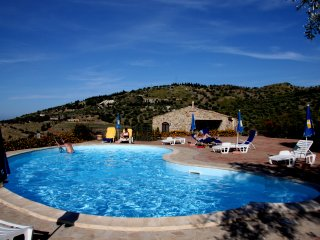 Lascari Apartment Sleeps 4 with Pool Air Con and Free WiFi - 5677705