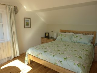 Gauguin luxury, holiday studio in Sarlat.  ideal for couples, close to centre