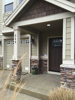 Craftsman style townhome with tons of charm. (Garage is available for guest use)