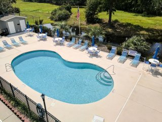 Studio at Plantation 14E -2 miles to the beach!