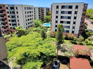 Beautiful Top Floor Condo / Santa Ana - La Guacima (+ Free Airport Welcome)