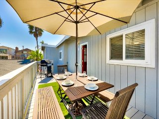 25% OFF JAN+FEB! Beach Home in Premier Location, Steps to Water + Walk to All