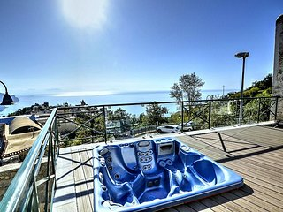 Ravello Villa Sleeps 10 with Pool Air Con and WiFi - 5228638