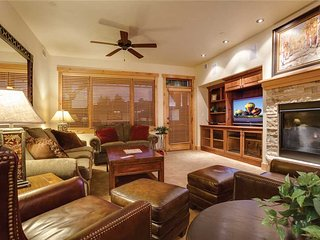 6203 Bear Lodge, Trappeur's Crossing