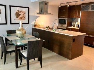 LUXURY 1 Bedroom w/GREAT VIEWS * The W Miami ICON