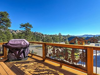 NEW! 3BR Estes Park Home - Steps from Downtown!