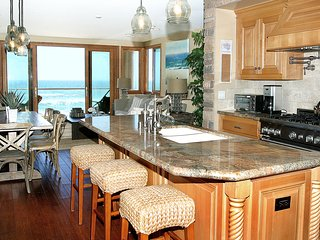 Luxurious Beachfront Home On Prime Location 4Bd/4.5Ba Sleeps 14 Comfortably