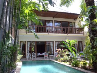 Avocado Villa Central Sanur