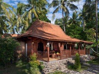 Diamond Beach Villa Lombok - Vacation Rental Villa