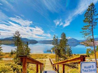 Family-friendly condo w/ shared hot tub, sauna - close to the lake and slopes!