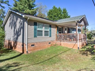 NEW! Beautiful 3BR Weaverville Home w/Private Deck