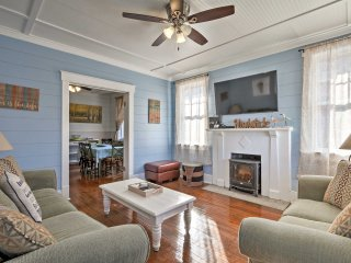 1940's Tybee Island Home w/ Grill, Walk to Beach!